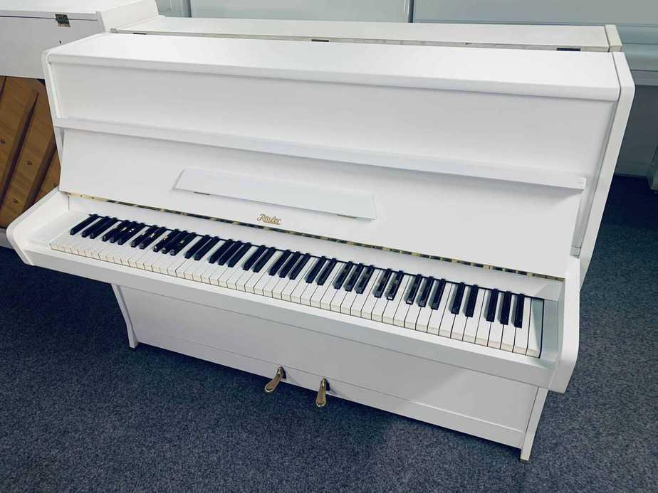 Bílé pianino Rösler