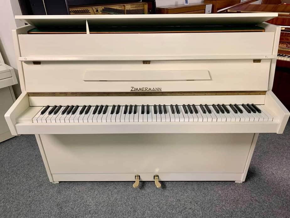 Bílé pianino Zimmermann